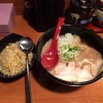【閉店】【西新宿ランチ】「はち」で鶏ぽためんと炒飯のセット。しつこくなく旨いポタージュ系スープ!